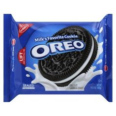 Nabisco Oreo Sandwich Cookies are a combination of rich and creamy filling with a crunchy wafer that makes the ideal companion with a glass of milk. Treat yourself with Oreo Chocolate Sandwich cookies, chocolate wafers with creme. Oreo Desserts, Dessert Oreo, Quick Dessert, Dessert Table, Oreo Cookies, Chocolate Cookies, Chocolate Peanut Butter, Chocolate Cream, Oreo Cream