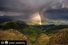 Aj v škaredom počasí sa dá nájsť niečo pekné  krásny záber z Chlebu od @jozef_sadecky  Storm in the mountains ....... #nahory #praveslovenske #clouds #rainbow #hills #valley #naturewalk #naturelover #naturalbeauty #naturephotography #natureshots #rainyday #forest #trees #rain #rainydays #rainy #mountainlife #view #beautifulview #beauty #naturalbeauty