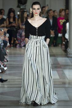 Carolina Herrera Spring 2017 Ready-to-Wear Fashion Show - Irina Djuranovic