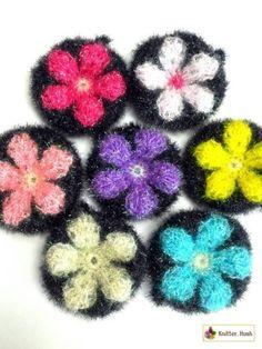 꽃무늬 호빵 수세미 도안 공개합니다.사진도 찍어보고,동영상도 찍어보고,사진 위에 기호를 그려도 보고,그... Crochet Needles, Knitting Needles, Diy Crochet, Crochet Flowers, Decoration, Diy And Crafts, Crochet Patterns, Stitch, Jewelry