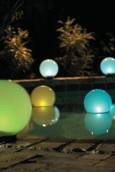 solar pool floats