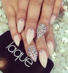 Beautiful nude nails :)