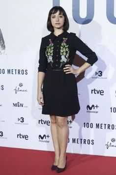 """Spanish actress Andrea Trepat attends the """"100 metros"""" movie premiere in Naughty Dog FW1617 dress!"""