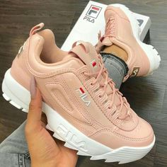 New sneakers fila shoes 61 ideas Neue Turnschuhe Fila Schuhe 61 Ideen Air Max Sneakers, Sneakers Looks, New Sneakers, Sneakers Fashion, Fashion Shoes, Sneakers Nike, 90s Fashion, Fashion Pics, Fashion Outfits