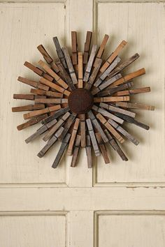 Clothespin wreath. Very cool idea!
