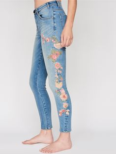 Bird of Paradise Scallywag Skinnies   In a high rise, these washed skinnies feature beautiful floral embroidery detailing allover.    * Slightly stretch fit.   * Ankle grazing length.   * Zip fly and button closure.   * Five-Pocket style.