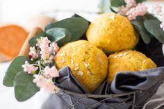 Süßkartoffelbrötchen mit Apfel & Haferflocken ⋆ Lieblingszwei * Mama- & Foodblog Plum, Dairy, Cheese, Rolled Oats, Healthy Travel Snacks, Breakfast Healthy