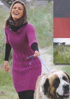 Вязаное платье каракулевым и сотовым узором