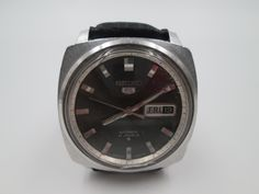 Seiko, Omega Watch, Watches, Accessories, Ancient Bracelet, Pocket Watches, Old Clocks, Man Women, Pockets