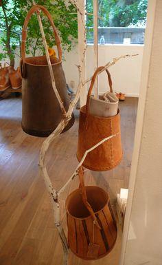 leather pails http://gasa.co.jp/blog