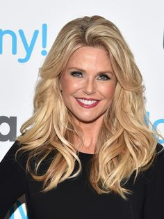 Christie Brinkley Plastic Surgery Over Face Beautiful Long Hair, Gorgeous Hair, Christie Brinkley Plastic Surgery, Medium Hair Styles, Long Hair Styles, Medium Layered Hair, Hair Today, Trendy Hairstyles, New Hair