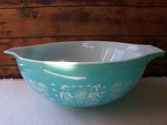 Pyrex Amish Butterprint Large 4qt Turquoise by PickersPantry, $20.00