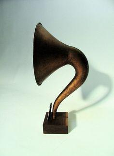 iVictrola: iPhone Phonograph