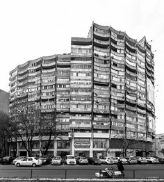 Housing building Blocul Rotund, Militari neighborhood, Bucharest, Romania. Built 1978. Architect: Dumitru Aurel Badescu. Photo by Dumitru Rusu. Image © BACU