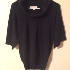 Michael Kors sweater Great condition. No rips or holes. Sparkly thread throughout. Perfect for the holidays Michael Kors Sweaters