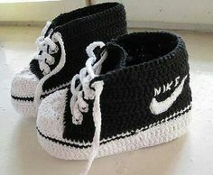 Wonderul DIY Crochet Nike Style Baby Sneakers with FREE Pattern
