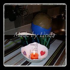 Att gjuta en ljuslykta med hjälp av en ballong och lite cement eller…