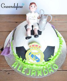 Tarta Balón de futbol del Real Madrid para Alejandro