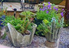how to planters cement draped hypertufa, concrete masonry, container gardening, diy, gardening/ using rags Concrete Leaves, Concrete Pots, Concrete Crafts, Concrete Projects, Diy Cement Planters, Garden Planters, Garden Crafts, Garden Projects, Beton Design