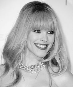 2012 Hairstyles with Bangs for Round, Oval, Square, Heart, Oblong Face http://rosie2010.hubpages.com/hub/Hairstyles-with-Bangs-for-Round-Oval-Square-Heart-Oblong-Face