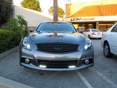 Today's featured ride is this 2011 Infiniti G37 Sedan with very nice addon - LED DRL. It is well-known, that Infiniti's G Sedan was the first Japanese luxury car that could truly compete with the best European compact and mid-size luxury performance sedans. @ http://ijdmtoy.com/BLOG/wordpress/2012/07/2011-infiniti-g37-sedan-looks-sleek-with-led-drl/