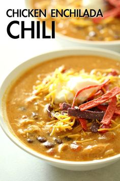 Slow Cooker Chicken Enchilada Soup Cafe Zupas Six Sisters' Stuff Chicken, Enchilada Sauce, Beans, Peppers, And Lots Of Southwestern Flavors Come Together In This Easy 'Dump And Go' Soup. Simply Throw It All In Your Slow Cooker And You Are Good To Go Slow Cooker Huhn, Crock Pot Slow Cooker, Slow Cooker Chicken, Slow Cooker Recipes, Cooking Recipes, Crockpot Recipes, Yummy Recipes, Dinner Recipes, Weeknight Recipes