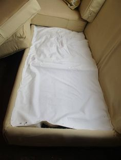 Do you have a ratty old sofa set, ready for the dump? And you need a replacement, but maybe don't have the money for what you really want? Here is a great way to upcycle what you have into what you want and need, for very little money! Leather Couch Repair, Faux Leather Couch, Craft Projects For Kids, Diy For Kids, Kids Crafts, Diy Furniture Hacks, Furniture Redo, Couch Makeover, Old Sofa