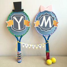 ウエルカムオブジェは思い出のテニスラケットをポップに演出