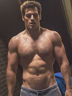 Hello, Abs! Henry Cavill Shows Off His Buff Bod in Sexy Shirtless Instagram http://www.people.com/people/article/0,,20985267,00.html