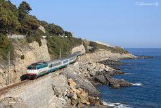 E.444 046 approaches Cervo whilst working Inter City train 742, the 1110 Milano Centrale-Ventimiglia, 13 March 2012