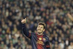 El delantero argentino del Barcelona, Lionel Messi, satisfecho con su partido Betis - Barça, día en el superó el récord de Müller