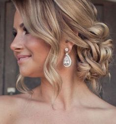 45 Trendy Wedding Hairstyles Updo Curly The Bride Prom Braided Hairstyles For Wedding, Elegant Hairstyles, Bride Hairstyles, Cool Hairstyles, Bridesmaids Hairstyles, Matric Dance Hairstyles, Curled Updo Hairstyles, Hairstyle Wedding, Beautiful Hairstyles