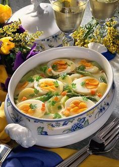 Frühlings-Eier-Ragout Our popular recipe for spring egg ragout and over more free recipes on LECKER. Egg Recipes, Turkey Recipes, Asian Recipes, Mexican Food Recipes, Soup Recipes, Vegetarian Recipes, Healthy Recipes, Ethnic Recipes, Free Recipes