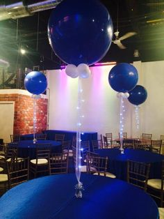 Elegant big blue balloon decorations for centerpieces with christmas' lights! Perfect for a birthday party, a wedding or an engagement party. Look for more decorations here!! https://www.decoraevents.com/big-balloons Contact us for more details (416)436-0234 decoraevents2010@gmail.com #decoraevents #mississauga #toronto #brampton #Milton #oakville #markham #maple #balloons #balloonscenterpieces #bigballoons