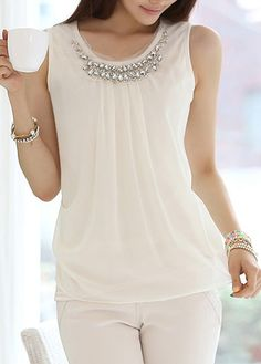 Beaded Round Neck White Chiffon Top                                                                                                                                                      Más
