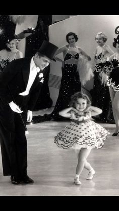 shirley temple baby take a bow red polka dot costune - Yahoo Search Results Child Actresses, Actors & Actresses, Vintage Hollywood, Classic Hollywood, Shirley Temple, Temple Movie, American Actress, Vintage Photos, Movie Stars