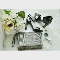 Nieman Marcus Snake's Skin Clutch Like New Condition Neiman Marcus Bags Clutches & Wristlets