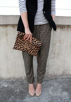 clare v leopard clutch Dressy Casual Outfits, Girly Outfits, Clare Vivier Clutch, Simple Classic Style, Leopard Clutch, Summer Chic, Printed Pants, Pattern Mixing, My Outfit