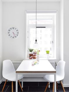 Beautiful White Apartment in Sweden Dining Room Inspiration, Interior Design Inspiration, Home Decor Inspiration, Home Interior, Kitchen Interior, Nordic Interior, Style At Home, Eames Style Dining Chair, Eames Chairs