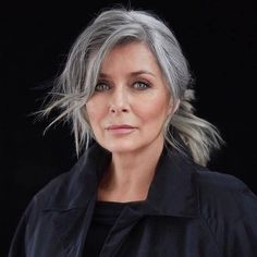 Cool Grey Hair Ideas For 2019 That Look Futuristic 36 Grey Hair Styles For Women, Hair Color For Women, Cool Hair Color, Grey White Hair, Short Grey Hair, Pixie Cut Styles, Short Hair Styles, Gray Hair Growing Out, Golden Brown Hair