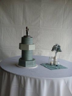 I like doing cake round-ups if you haven't noticed. I've done groom's cakes, cupcake displays and geeky wedding cakes so far. But sometimes some offbeat wedding cakes defy categor…