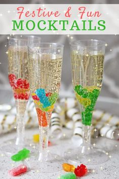 Mocktails For Kids & Adults To Brighten Up New Year's Eve Mocktails for kids will make New Year's Eve and other celebrations that much more fun! Try these easy mocktails for your kids at your next party. New Years Eve Snacks, New Year's Snacks, New Years Eve Drinks, New Year's Drinks, Kid Drinks, New Years Eve Dessert, Beverages, New Years Eve Games, Alcoholic Drinks