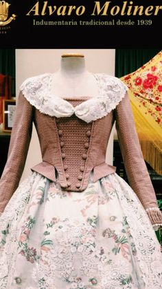 Fabulous detail on this jacket. Rococo Fashion, Gothic Fashion, 1700s Dresses, 17th Century Fashion, Fairytale Dress, Beautiful Costumes, Medieval Dress, Fashion History, Pretty Dresses