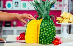 Look closely. One of my fave details on my Pineapple Cake is the dark yellow…
