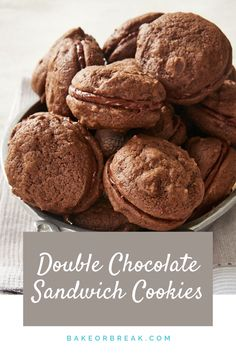 Double Chocolate Sandwich Cookies combine soft chocolate cookies with a rich chocolate frosting for a crave-worthy chocolate treat! - Bake or Break Satisfy your chocolate cravings with these soft, rich, fantastic Double Chocolate Sandwich Cookies! Chocolate Marshmallow Cookies, Chocolate Chip Shortbread Cookies, Chocolate Treats, Chocolate Flavors, Chocolate Frosting, Chocolate Recipes, Quick Cookies, Yummy Cookies, Bar Cookies