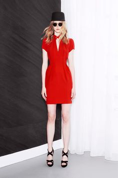 Maxime Simoëns Resort 2014 Collection Slideshow on Style.com- Can you say wow? I love love LOVE the pleating.