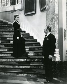 "Ingrid Bergman & Cary Grant in ""Notorious"", Alfred Hitchcock. Hitchcock Film, Alfred Hitchcock, Ingrid Bergman, Cary Grant, Vintage Hollywood, Classic Hollywood, Hollywood Star, Hollywood Glamour, Claude Rains"