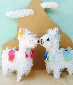 This darling llama piñata would be great for your next boho themed party! Adorned with tassels and pom poms just like those fancy llamas in Peru! Details: Piñata is 24 tall x 14 wide x 7 deep. Features hand fringed paper and festive. Pinata Party, Diy Party, Wedding Pinata, Party Ideas, Alpacas, Diy Piñata, Design Set, Boho Themed Party, Lila Baby