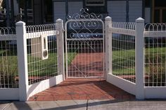 10 Unique Tips Can Change Your Life: Short Fence Building fence design ideas.Front Yard Fence For Dogs. Front Yard Fence, Farm Fence, Diy Fence, Backyard Fences, Front Yard Landscaping, Fence Ideas, Garden Ideas, Landscaping Ideas, Yard Gates