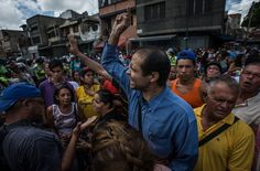 21 junio 2016 Across Venezuela, cities are erupting in protests and looting over food shortages. Nicholas Casey, The New York Times's Andes bureau chief, and the photographer Meridith Kohut provide a view from the ground.